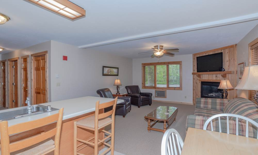 Woodland 2BR Suite - Pano